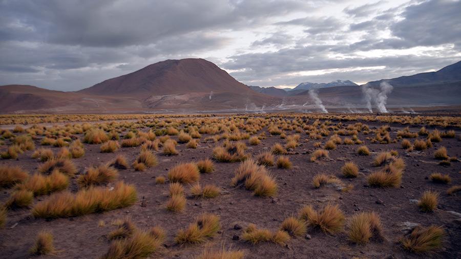 Gejzirý neďaleko Atacama púšte